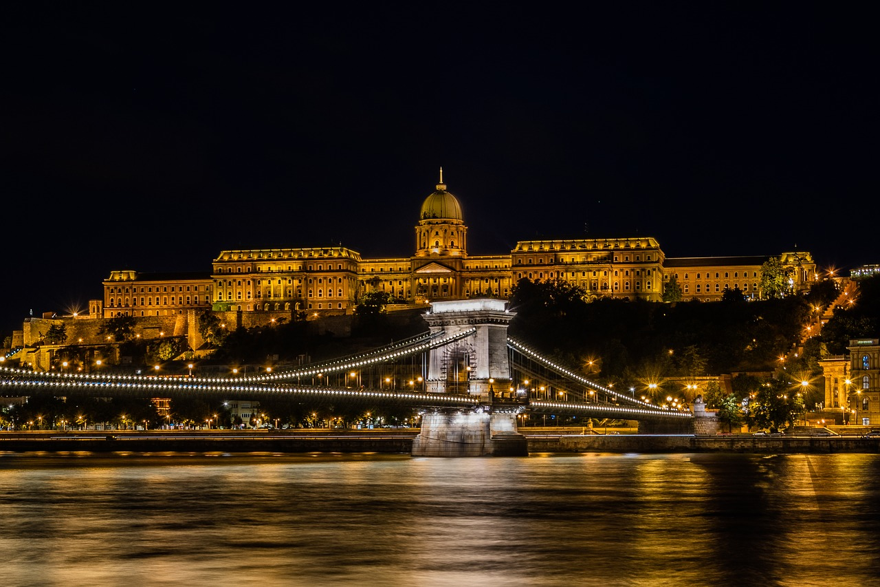 Chain Bridge and the Castle