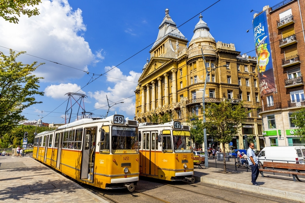 Does pensioners travels free in Budapest?